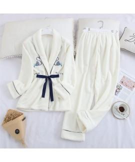 Long Sleeve Sweet Lapel Warm Flannel Ladies Pajama Set