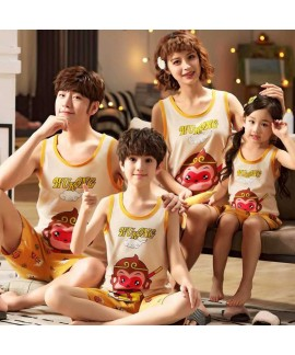 Summer a family of four cotton sleeveless shorts t...