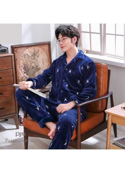 New male's flannel pajama set Comfy sleepwear for men