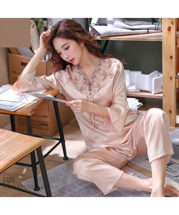 Elegant ladies silky nightwear for spring long sleeves silk like sets of pajamas for women