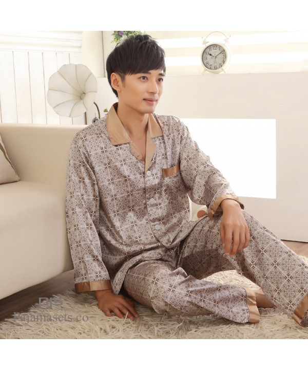 Thin comfy silk like men's sleepwear for winter ch...