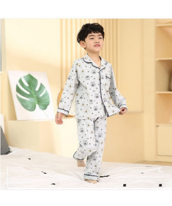Comfy Boys long sleeved cotton pajama sets for children in autumn